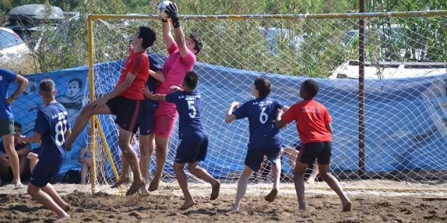 Φωτορεπορτάζ από τη συμμετοχή των Τραχώνων στο Τουρνουά Beach Soccer